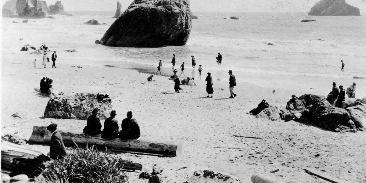 beach recreation, historic photo, Bandon, Oregon