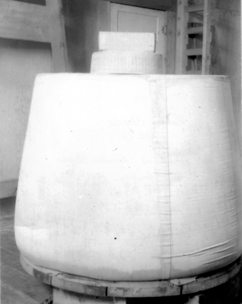40200-Bandon-Cheese Factory_2402-pound-cheese-1936_Bandon-Historical-Society