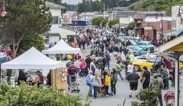street, crowd, market, Bandon Cranberry Festival 2015