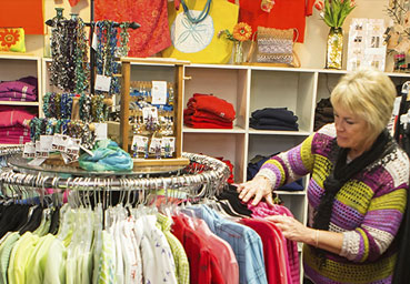 clothes shopping at bandon mercantile bandon oregon cardas photography