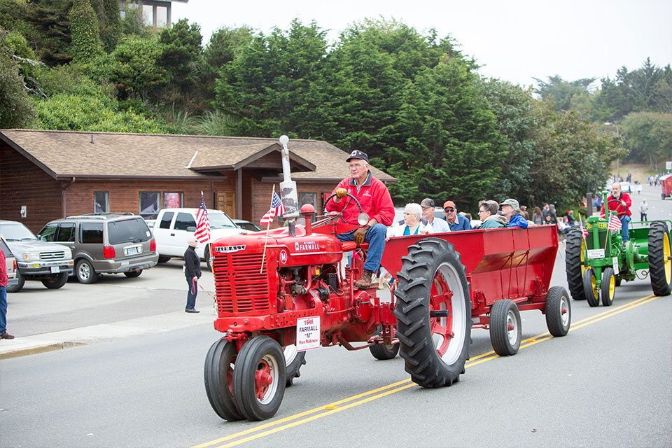 cranberry-festival-parade-2015-tractor